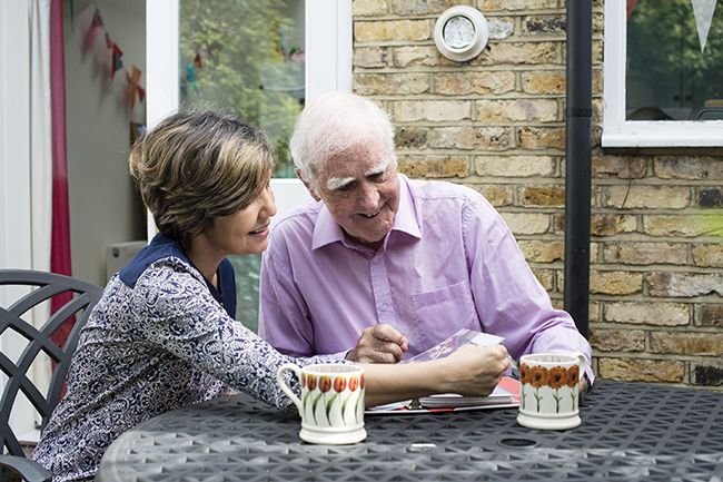 communicate with a parent with dementia